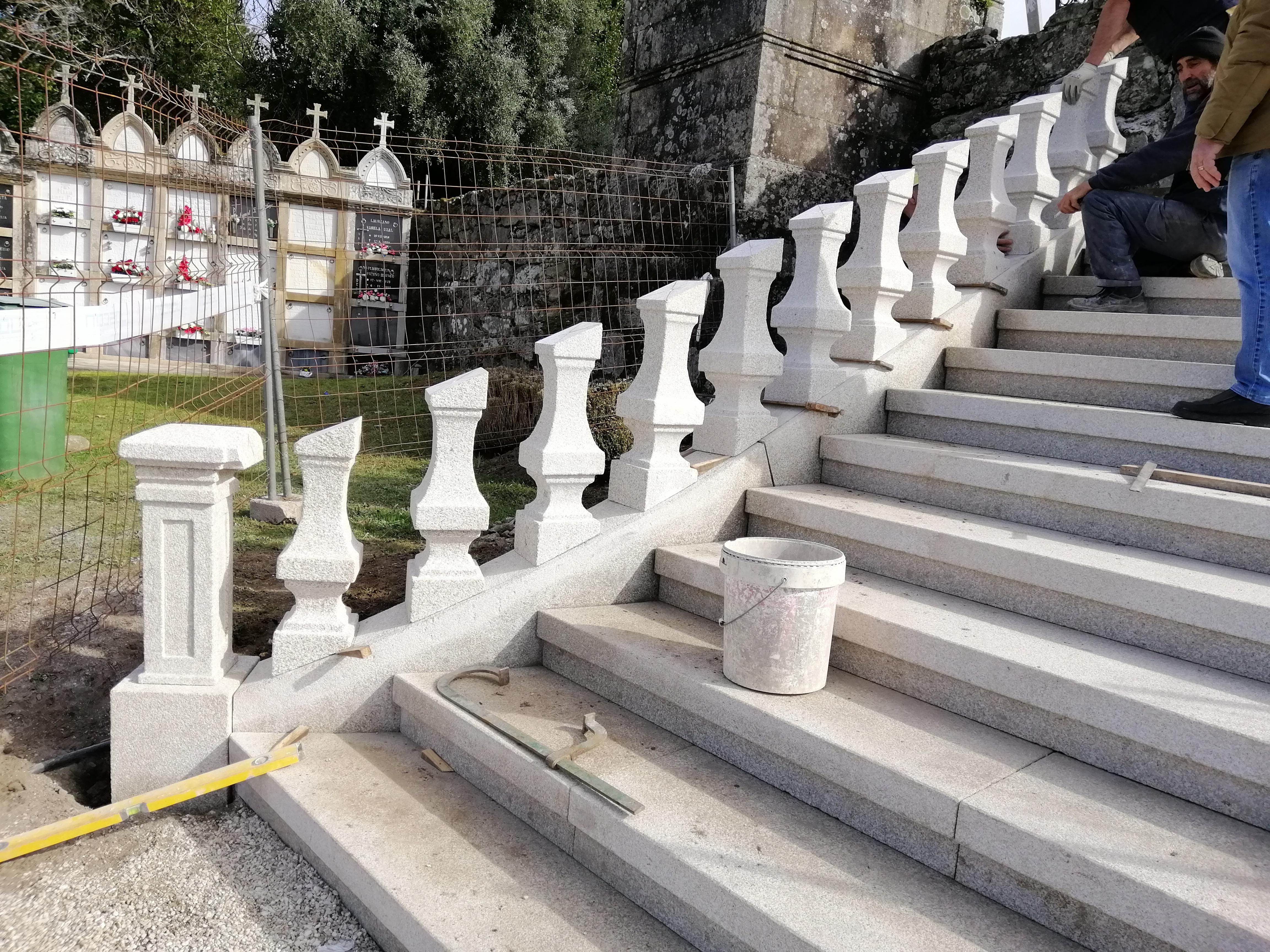 Escalinata Bajada Al Cementerio